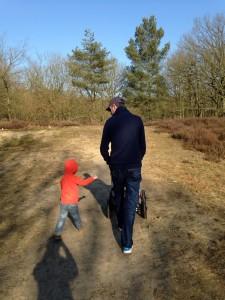 Op weg naar onze eigen boom op de Kesselse heide