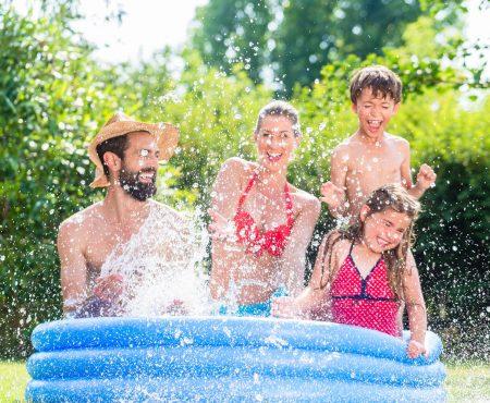 Een zwembad in mama's eigen tuin – is dat wel veilig?