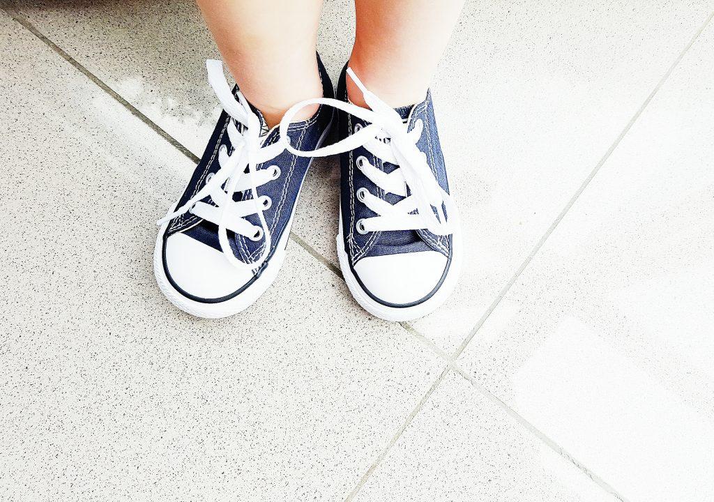 slippers dames en kinderschoenen: Omoda