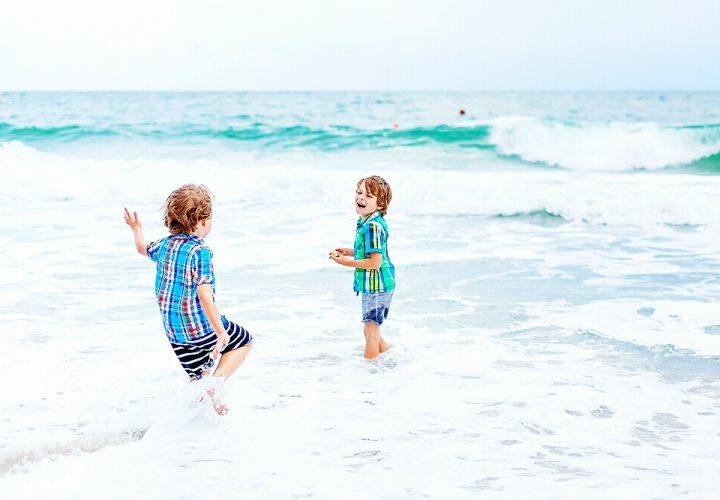 'Tem de draak' met je kids in Denemarken. Pharos Reizen biedt bijzondere vakantie-ervaringen voor kinderen