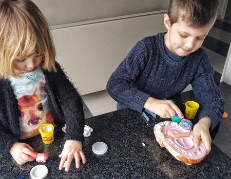 [REVIEW] Sinterklaastip: 'Bij de Tandarts' van Play-Doh, uitgegeven door Hasbro