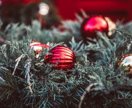 Kerstdiner organiseren: onze tips voor de cadeautjes, de menu en de organisatie van de koelkast