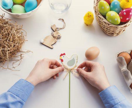 Kleur eieren met fruit en groenten + nog meer decoratie voor de paasbrunch!