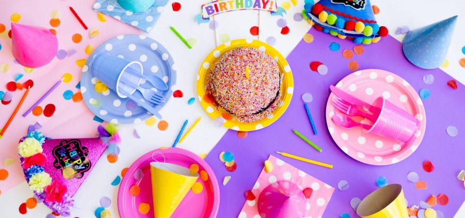 Regenboogfeestje organiseren: 19 super tips voor een kinderfeestje met regenboog thema